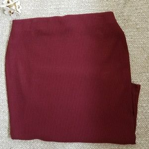 Old navy pencil skirt 🍇🍷